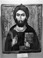 Icon in the crypte of the Nevsky Cathedral